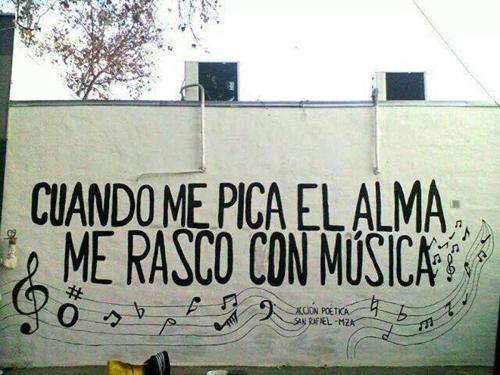 rascate con musica